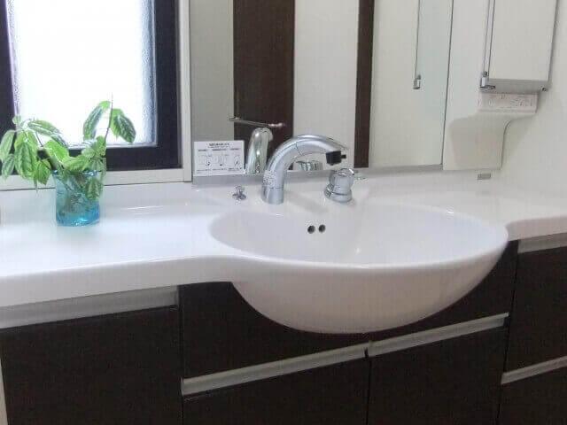 バスルームの洗面台